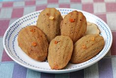 Glutenfree madeleine with teff and tapioca flour, crucky red quinoa and papaya. http://www.agglutinata.com/madeleine-alla-farina-di-teff/ #glutenfree