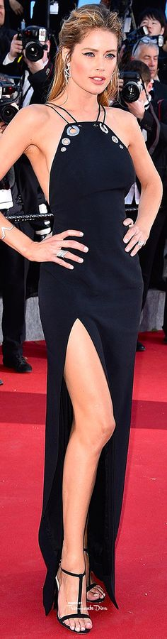 #Doutzen #Kroes in Mugler♔ Cannes Film Festival 2015 Red Carpet ♔ Très Haute Diva ♔