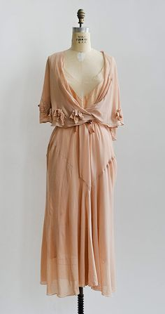 Vintage Fashion Daphnis et Chloe Dress Vintage 1950s Dresses, 1930s Dress, Vintage Clothing, 1930s Fashion, Vintage Fashion, Club Fashion, Vintage Inspired Outfits, Vintage Outfits, Chloe Dress