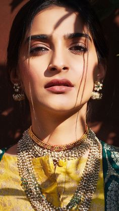 Sonam Kapoor stuns with jewellary Bollywood Box, Bollywood Actress, Malang, Indian Actress Hot Pics, Indian Actresses, Sonam Kapoor, Deepika Padukone, Yash Raj Films, Latest Bollywood Movies