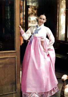 hanbok (한복) noun a korean traditional dress. Korean Traditional Dress, Traditional Dresses, Korean Women, Korean Girl, Korean Style, Korea Dress, Korean Hanbok, Korean Fashion Trends, Korean Outfits