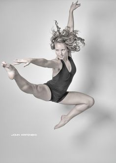 Using Photoshop's refine edge tool to quickly select details in your images. (www.johnkaminski.me)    #Dancer #photography #seamless #motion #jump
