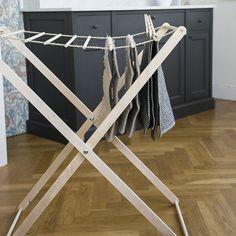 Hem & hushåll Wardrobe Rack, Relax, Furniture, Home Decor, Decoration Home, Room Decor, Home Furnishings, Arredamento, Interior Decorating