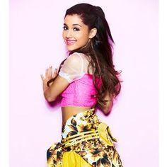 Ariana Grande clears up rumors about drama with Victoria Justice Ariana Grande Fotos, Frankie Grande, Divas, Broadway, Bae, Seventeen Magazine, Cat Valentine, Victoria Justice, Games For Girls