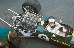 Jim Clark and Lotus: one the greatest partnerships in motorsport F1 Racing, Road Racing, Escuderias F1, F1 Lotus, Classic Race Cars, Gilles Villeneuve, The Golden Years, F1 Drivers, Vintage Race Car
