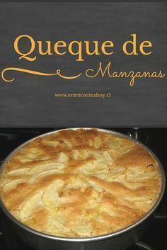 Un queque de manzanas diferente y muy rico. Con capas de manzana en su interior y una hermosa presentación. Apple Recipes, Sweet Recipes, Cake Recipes, Chilean Recipes, Chilean Food, Pastry Cake, Food Humor, Desert Recipes, Love Food