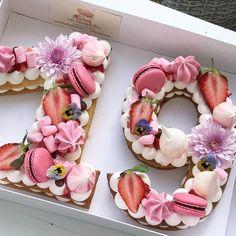 "8,299 Likes, 345 Comments - Adi Klinghofer (@adikosh123) on Instagram: ""שבוע חדש מתחיל עם עשור חדש #gargeran #israeli_kitchen #sweet #strawberry #flower #cream #vanilla"""