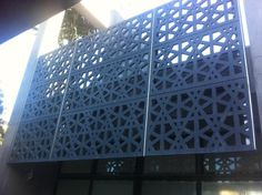 The Esplanade Facade : Bluestone water-jet cut panels hung from stainless steel ribs - FORM Structures