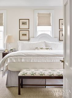 Love the bench! A pared down aesthetic in the master bedroom helps the small space live larger. Lowe repeated Colefax and Fowler's iconic Bowood floral chintz throughout the room. Home Decor Bedroom, Modern Bedroom, Bedroom Furniture, Master Bedroom, Bedroom Ideas, Classic Bedroom Decor, Furniture Mattress, Bedroom Beach, Bedroom Country
