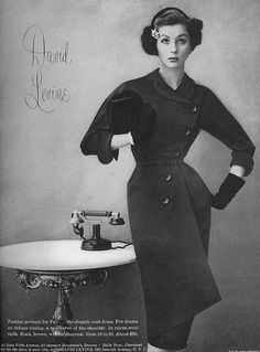 Such a refined, lovely fall and autumn mid-50s look. #vintage #fashion #1950s…
