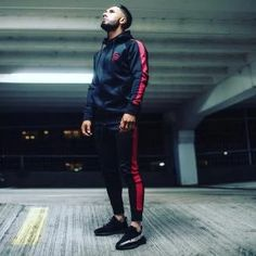 Men's Workout Fitness Hooded Sweatshirt Gyms brand Tops 2018 Black and Red Stripe Zipper Hoodie Men's Fitness Slim Hooded coat Rugged Style, Style Casual, Men Casual, Style Men, Men's Style, Casual Wear, Mode Adidas, Style Brut, Fitness Man