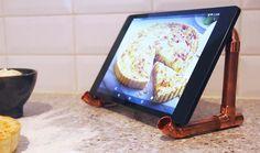 DIY : le porte-tablette à fabriquer avec des tuyaux de cuivre