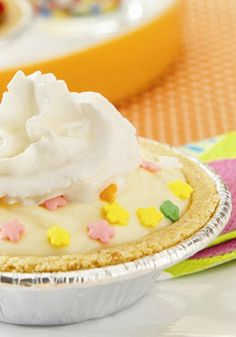 This colorful treat is ready to eat in just 10 minutes! Try this Mix 'n Match Pudding Pies recipe for dessert tonight.