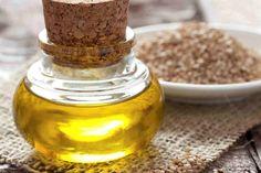 Sezam posiada nie tylko walory kulinarne, ale również stanowi skuteczny składnik aktywny, wykorzystywany do pielęgnacji urody. Co warto o nim wiedzieć?