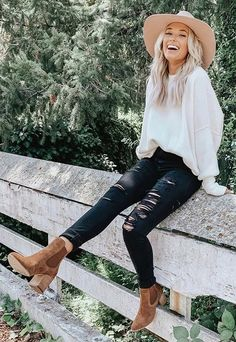 Outfits 2019 Outfits casual Outfits for moms Outfits for school Outfits for teen girls Outfits for work Outfits with hats Outfits women Winter Outfits For Teen Girls, Winter Date Outfits, Simple Winter Outfits, Cute Fall Outfits, Winter Outfits Women, Outfits For Teens, Country Winter Outfits, Country Style Outfits, Casual Outfits