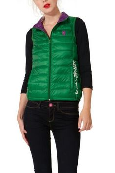 Desigual Vivelastico 39E2926 down gilet, can ne rolled into a small bag. Easy to take