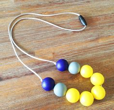 How to make a silicone teething necklace for mums to wear. Baby friendly.