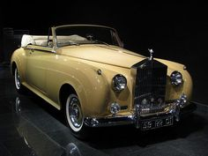 The yellow rolls royce that Gatsby drove is what I imagine someone living the American Dream would drive.