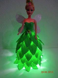 Night light of Barbie dolls Pet bottle you have is not it? Doll Crafts, Cute Crafts, Diy Crafts For Kids, Easy Crafts, Craft Ideas, Water Bottle Crafts, Plastic Bottle Crafts, Diy Niños Manualidades, Afrique Art