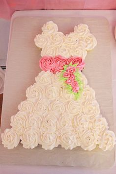 How To Make Wedding Dress Cupcake Cake Or...could be a great ...