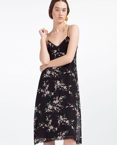 Vestito nero in pizzo zara official site Crepe Dress, I Dress, Ss16, Endless Summer, Popular Outfits, Fresh Outfits, Types Of Dresses, Strapless Dress Formal, Beautiful Dresses