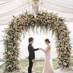 Industrial Wedding Inspo with Dusty Pink Wildflowers ⋆ Ruffled Lilac Wedding, Greek Wedding, Floral Wedding, Wedding Colors, Wedding Bouquets, Wedding Flowers, Wedding Altars, Wedding Ceremony, Reception