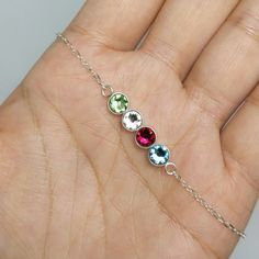 This double-sided family birthstone bracelet for mom will sure make her happy: it has the birthstones of her beloved children AND their initials on the reverse! Mothers Day Gifts From Daughter, Gifts For Father, Diy Bracelet, Tin Gifts, July Birthstone, October Birth Stone, Pink Tourmaline, Anklet, Layering