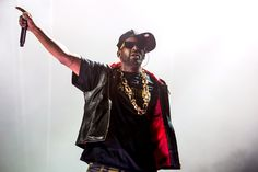 R. Kelly Announces Release Date for 'Buffet'