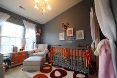 quarto de bebe cinza e laranja