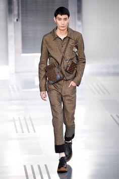 Militärt, Louis Vuitton.