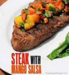 Steak with mango salsa. Steak with mango salsa. Sirloin Tip Steak, Sirloin Steak Recipes, Grilled Steak Recipes, Easy Meat Recipes, Healthy Dessert Recipes, Delicious Recipes, Mango Salsa Recipes, Comida Latina, Gourmet