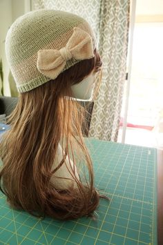 Knitted bow hat: Candy & Bagel blog