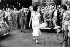 Mario De Biasi.Italians are Flighty, Milan, 1954