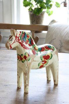 Dala Horse http://pinterest.com/pin/283726845245157270/