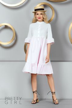 ROCHIE CASUAL DIN BUMBAC ALB SI ROZ Short Sleeve Dresses, Dresses With Sleeves, Pretty Girls, Girl Fashion, Casual, Summer, Women's Work Fashion, Summer Time, Gowns With Sleeves