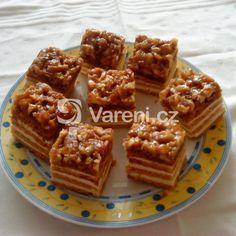 Bezlepkový ořechový koláč recept - Vareni.cz Waffles, Gluten Free, Breakfast, Food, Glutenfree, Morning Coffee, Essen, Waffle, Sin Gluten