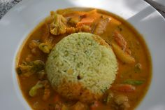 ANGLO INDIAN COCONUT RICE WITH VEGGIE CURRY!