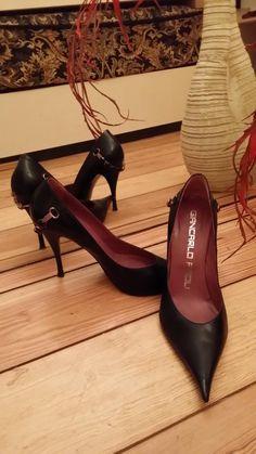 Jewels swarowski-black leather shoes, Giancarlo Paoli label,made in Italy, elegant,EU US - 1 High Heel Pumps, Pumps Heels, Stiletto Heels, Vintage High Heels, Vintage Shoes, Leather High Heels, Black Leather Shoes, Shoe Room, Italian Leather