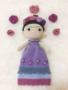 Soft and delicate, this doll inspired by the iconic Frida is a small treasure and it will turn out to be a wonderful company in travel and daily games. It is totally customizable, you can choose the color of the dress, embellishments, or add some other detail. You just have to