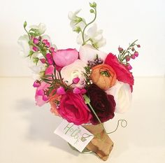 TAYLOR TOMASI-HILL BOUQUETS / Sofie Goes Around