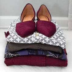 Love the jewel tones especially on the shoes! Gray patterned top is super cute too