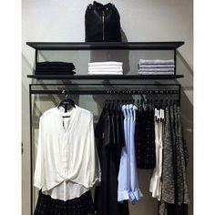 Ya en tienda la colección #otoñoinvierno de @sfera_moda #sfera #sferamoda #cosmopol #México #cool #casual #accesorios #bolsa #mujer #fashion #fashionblogger #style #black #woman #womenswear #womensfashion #SZReport #shishang_zazhi