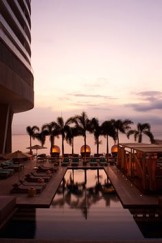 http://www.trumphotelcollection.com  The pool overlooking the ocean at Trump Panama