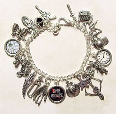 Ahh oh my gosh! I love this!! The walking dead charm bracelet!! I am so getting this for my birthday!
