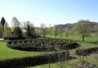 Strange Guest Farm Labyrinth - Norway