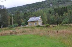 FINN – Fritidsbolig på Gamnes i Skjomdalen med fiskerett i SkjomaBoligen anses å være et restaureringsobjekt Real Estate, Cabin, House Styles, Home Decor, Real Estates, Decoration Home, Room Decor, Cabins, Cottage