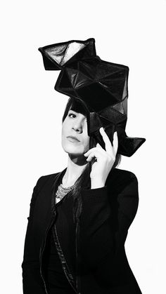 https://www.behance.net/gallery/49149185/HAT-DESIGN-Manipulated-Leather-By-Senay-Aslan?    The geometrical hats with manipulated leather have changeable shapes by Senay Aslan