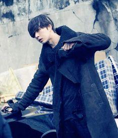 park hae jin 박해진 saja 사자 ( four men ) Park Hye Jin, Park Hyung Sik, Blood Korean Drama, Ahn Jae Hyun, Aaron Yan, Doctor Stranger, Seo Kang Joon, Lee Seung Gi, Korean Couple