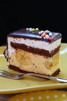Banana split od rankos Torte Recepti, Kolaci I Torte, Baking Recipes, Cookie Recipes, Dessert Recipes, Baklava Cheesecake, Torte Cake, Homemade Sweets, Banana Split