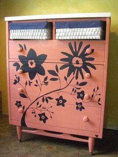 Mid-Century Modern Dresser $109 - Thomasville http://furnishly.com/catalog/product/view/id/4924/s/mid-century-modern-dresser/